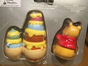 Disney Parks Winnie the Pooh Hunny Salt and Pepper Set New with Box