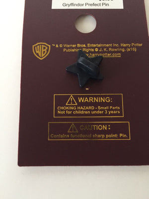 Universal Studios Wizarding World of Harry Potter Griffyndor Prefect Pin New with Card