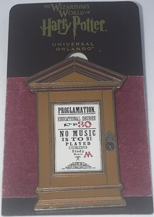 Universal Studios Harry Potter Students Proclamation 30 Pin New with Card