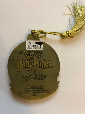 Universal Studios Harry Potter Hufflepuff Round Metal Holiday Ornament New w Tag