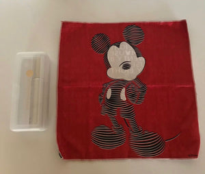 Disney 2018 Mickey Red Sunglass Hut Limited Cleaning Cloth Kit New with Case