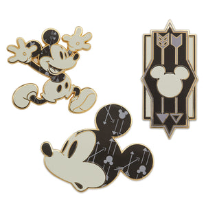 Disney Store Mickey Mouse Memories November Limited Pin Set New Sealed