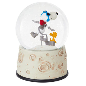 Hallmark Peanuts Make Space for Friends Astronaut Snoopy Snow Globe New w Tags