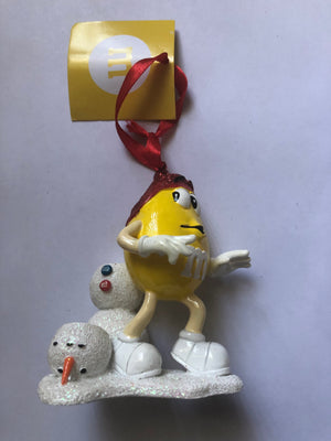 M&M's World Yellow Character with Snowman Resin Christmas Ornament New with Tag