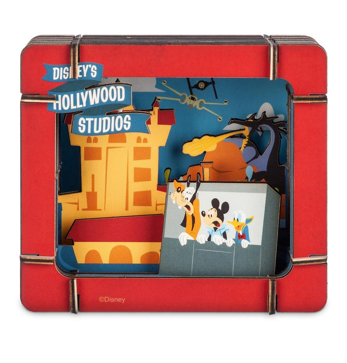 Disney Parks Hollywood Studios Goofy Mickey Donald Paper 3D Diorama Set New