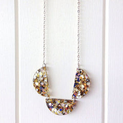 Glitter scallop necklace