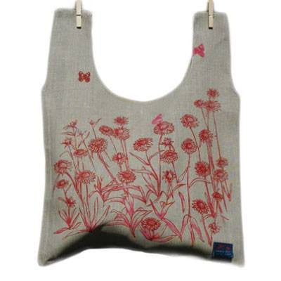 Australian Made Gifts & Souvenirs with the Everlasting Daisies Linen Carry Bag -by Laughing Bird. For the best Australian online shopping for a Accessories