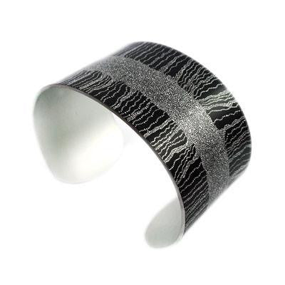 Women's Dreaming Black Narrow Bracelet Cuff