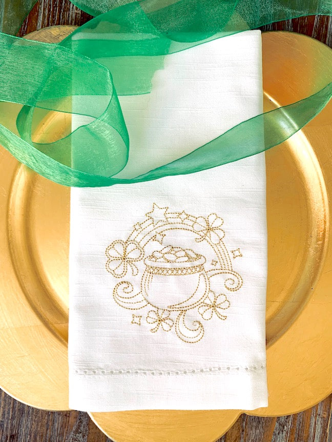 St. Patrick's Day Cloth Napkins Pot Of Gold  - Set of 4 napkins
