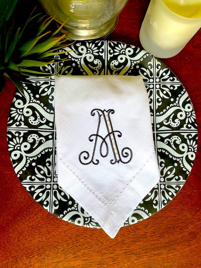 Barrea Modern Floral Monogrammed Embroidered Cloth Napkins / Set of 4 /