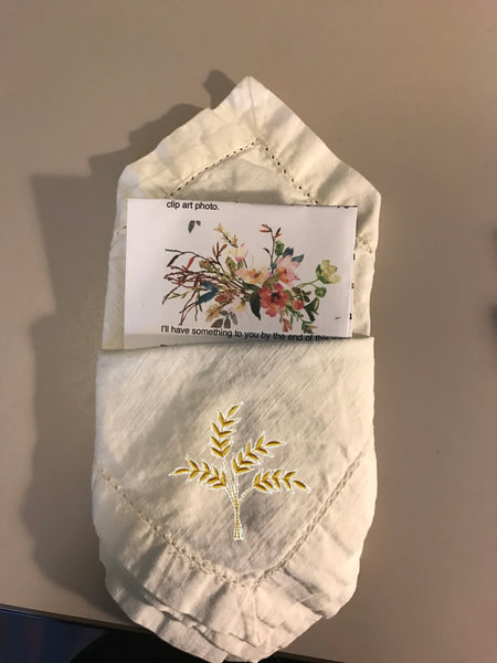 Set of 100 Custom Wedding Napkins - White Tulip Embroidery