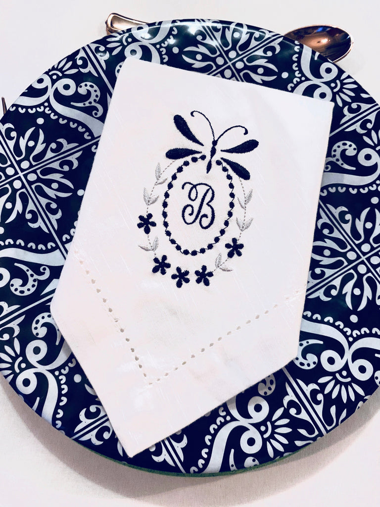 Floral Dragonfly Monogrammed Cloth Dinner Napkins - Set of 4 napkins