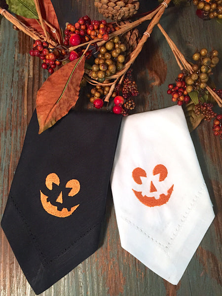 Jack O' Lantern Pumpkin Halloween Cloth Napkins - Set of 4 napkins - White Tulip Embroidery