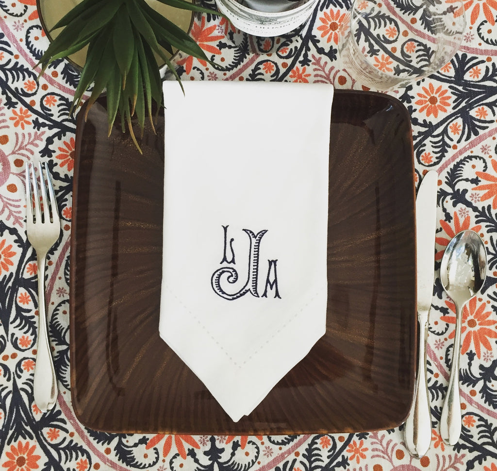 Set of 25 Baroque Monogrammed Wedding Napkins, Embroidered Dinner Napkins-White Tulip Embroidery