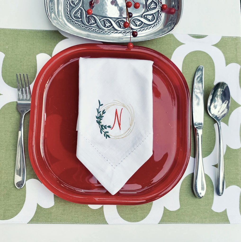 Leaf Wreath Monogrammed Cloth Dinner Napkins - Set of 4 napkins-White Tulip Embroidery