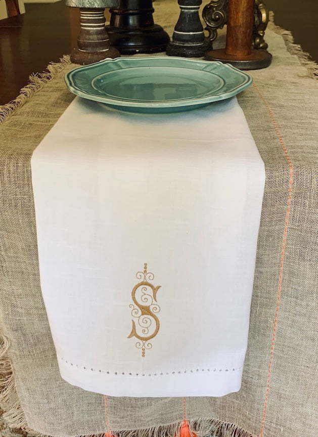Elegant Monogrammed Cloth Napkins - Set of 4 dinner napkins