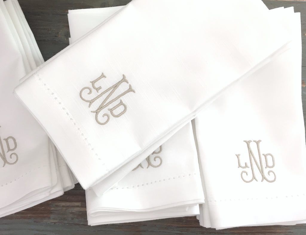 Verona Monogrammed Embroidered Cloth Napkins - White Tulip Embroidery