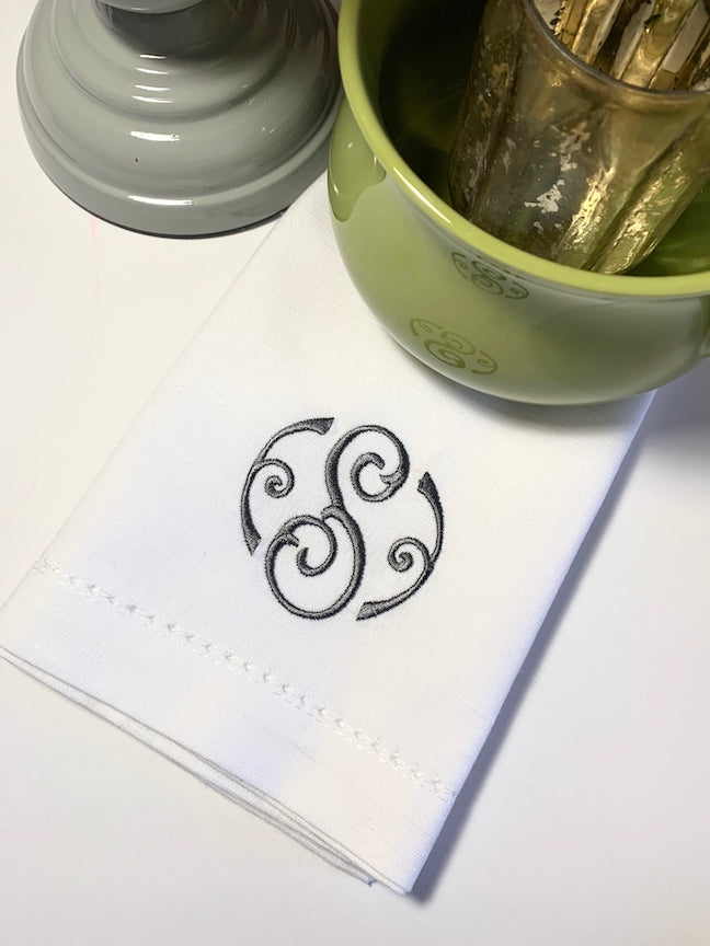 Fiona Monogrammed Embroidered Cloth Napkins - White Tulip Embroidery