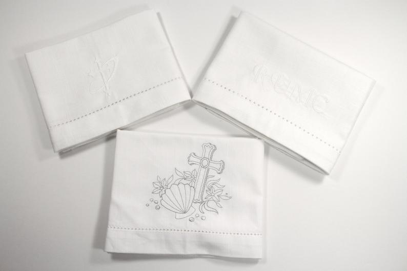 Custom Communion Cloths, Bread Plate Napkins, Corporal Fold-White Tulip Embroidery
