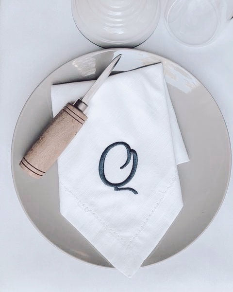 Leah Monogrammed Embroidered Cloth Napkins - White Tulip Embroidery