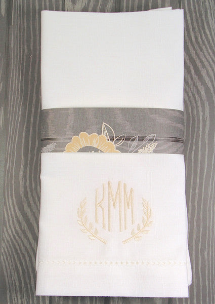 Leaf Monogrammed Embroidered Cloth Napkins - White Tulip Embroidery