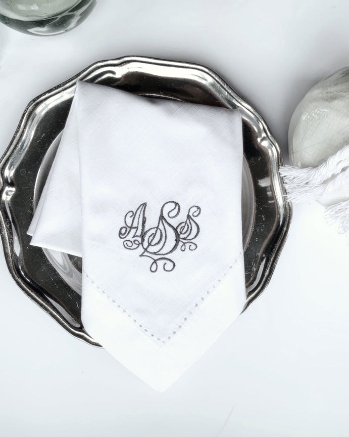Olivia Monogrammed Embroidered Cloth Napkins - White Tulip Embroidery