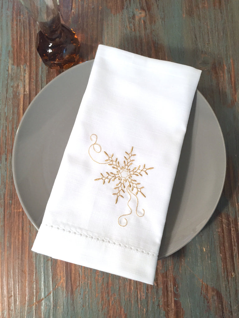 Snowflake Cloth Napkins - Set of 4 napkins - White Tulip Embroidery