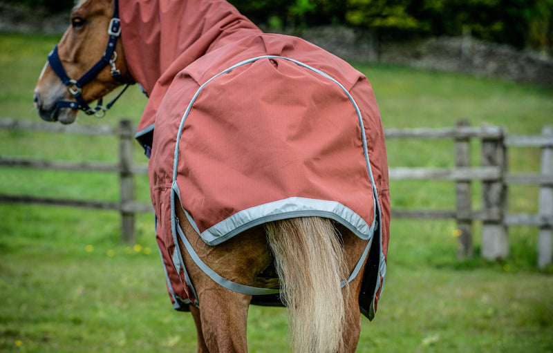 Epic® Essential 300g Turnout Rug