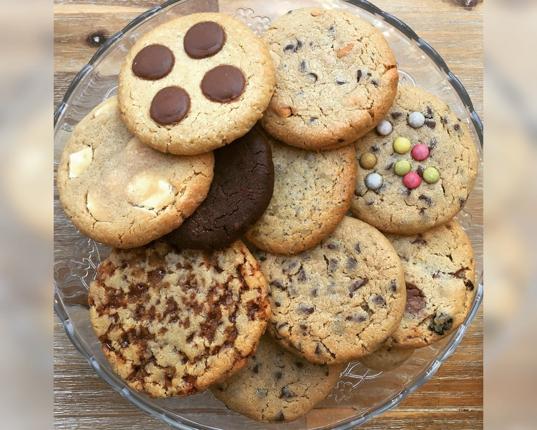 Assortiment de 10 GRANDS cookies - parfums variés