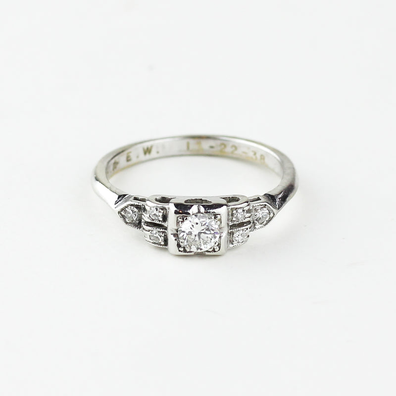 WHITE GOLD ANTIQUE RING