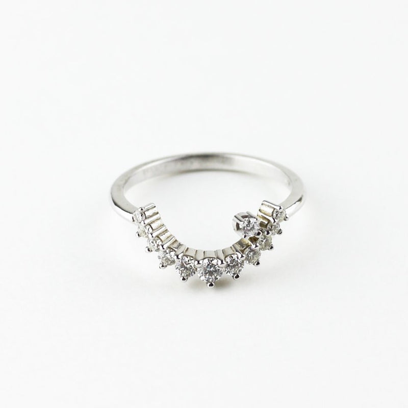 WHITE GOLD DIAMOND ARC RING