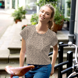 Open image in slideshow, Spotted Print Crop Tee