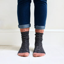 Load image into Gallery viewer, Graphite Sock Set // Twist Sock