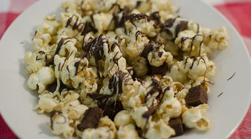 Caramel Chocolate Popcorn #MAXMUNCHIES