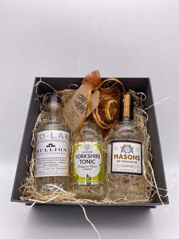 Gin Gift Set - Flavoured (3) 2x 20cl 1x 200ml Tonic & Dehydrated/dried fruit garnish