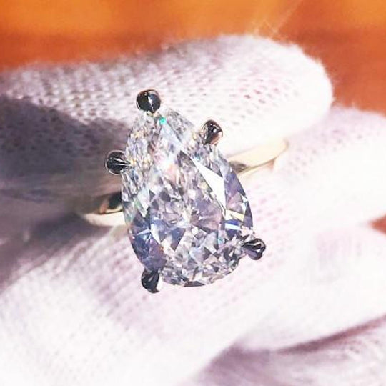 pear shaped diamond engagement ring