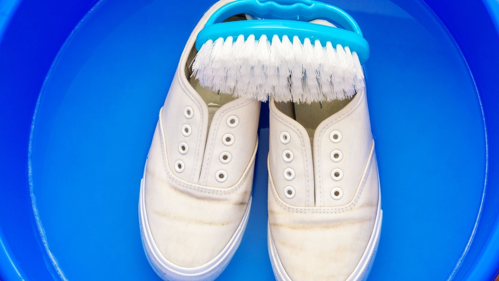 best way of cleaning white trainers