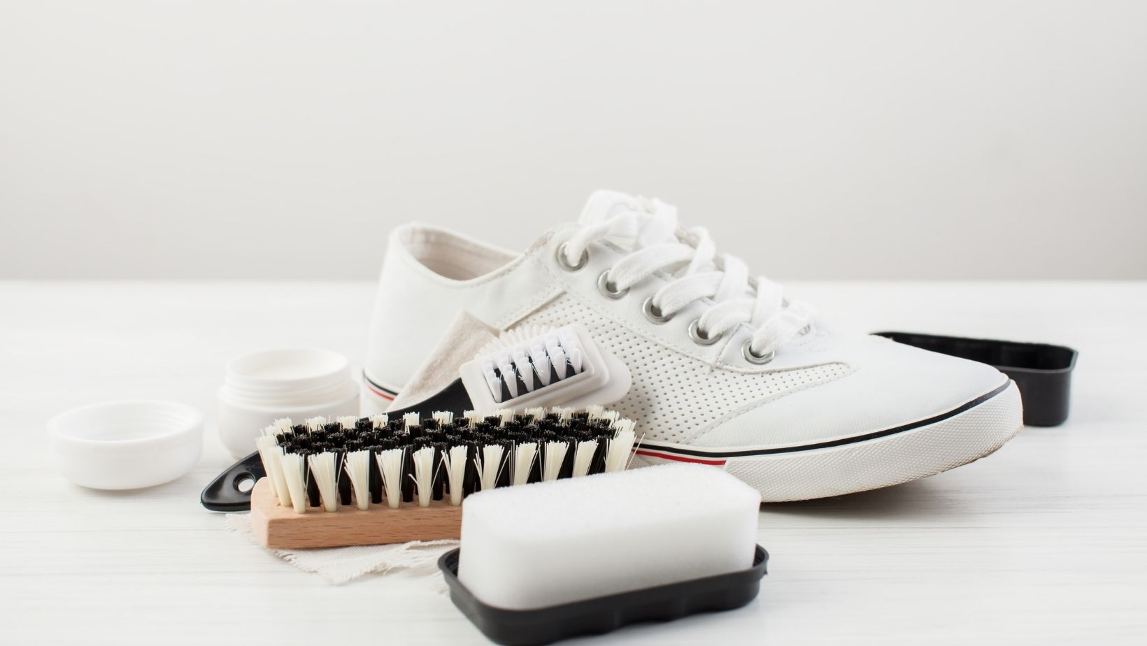 how to wash white trainers