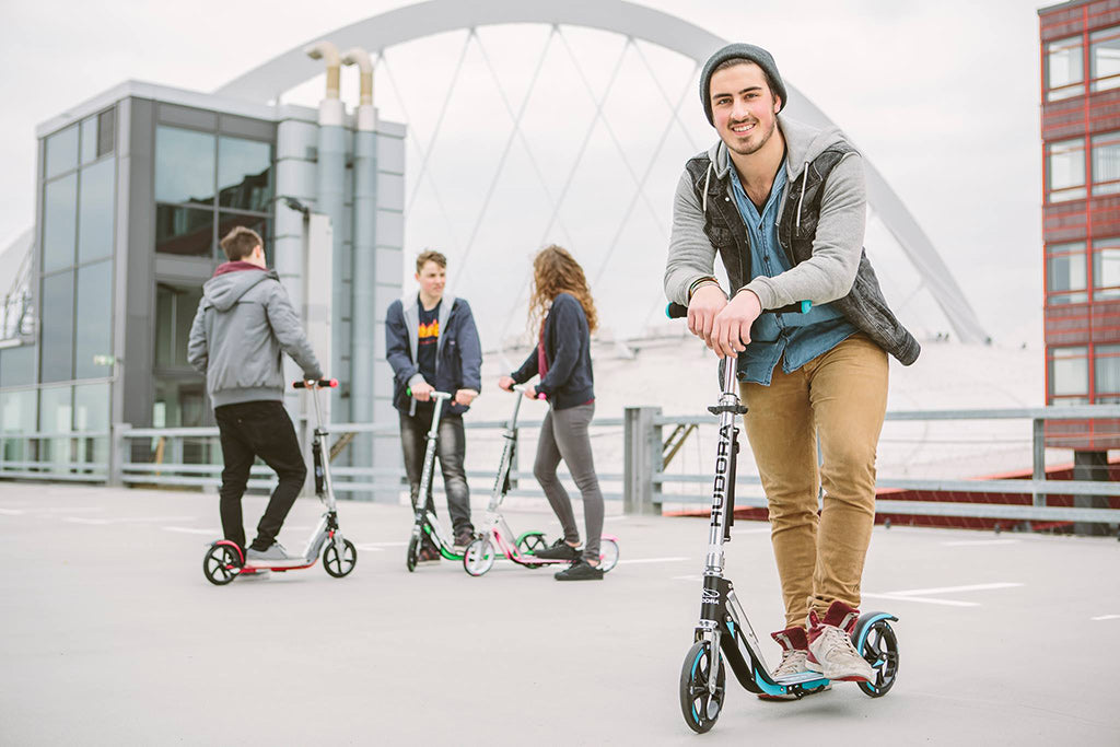 Youths and adults with HUDORA BigWheel 205 two wheel kick scooter