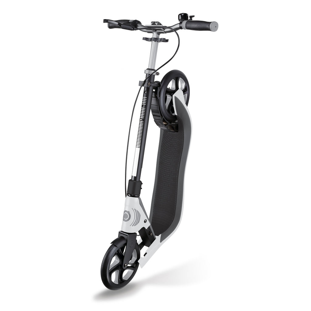 Globber ONE NL 205 kick scooter folded Trolley mode