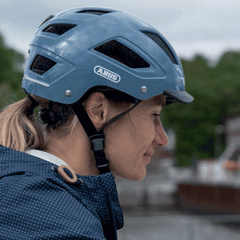 woman wearing abus hyban 2.0 bicycle helmet