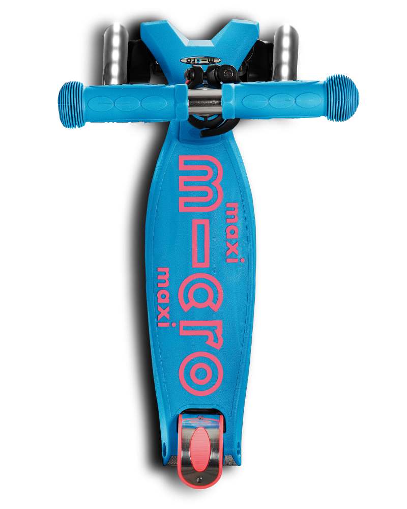 maxi micro deluxe LED three wheel kick scooter in aqua, top view
