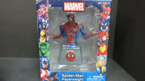 MARVEL SPIDER-MAN PAPERWEIGHT 2012 MADE BY MONOGRAM #67100 VINYL RESIN NEW
