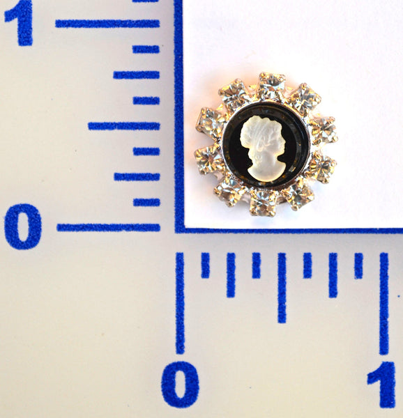 18mm Silver Cameo Button - Individual or 12 Pack