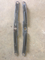 Front fender support bracket pair