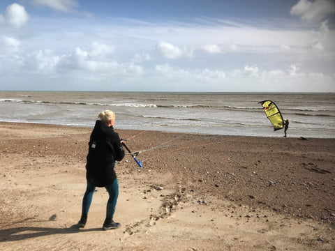 Mare Kull Teaching A Kitesurf Lesson