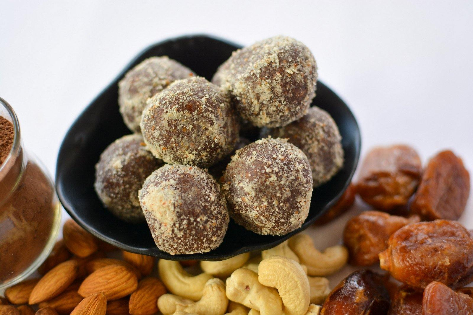 Chocolate and Cashew Truffles (200g) - SampoornaAhara.com