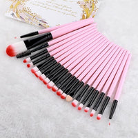 Make-up brushes in different sizes-thumbnail