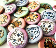 Load image into Gallery viewer, Cute Wild Cat Head Set of 10 Pinback Buttons