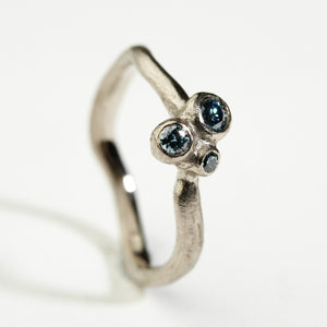 Mosquito White Gold Ring
